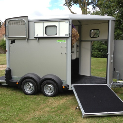 ifor williams 511 horsebox horse trailer cherryhire hire buy cherrys country hardware north frodingham driffield east yorkshire