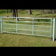 bateman half-meshed competition gate